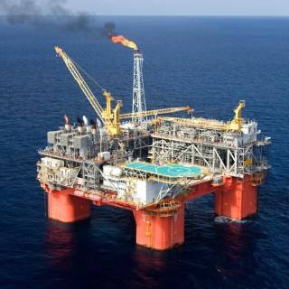 7 Technologically Advanced Oil Rigs | THE OGM